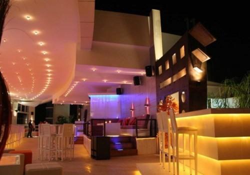 Roof Top Restaurant Lounge